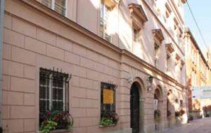 Budynek dawnej Akademii Przemysłowo-Technicznej. Kraków, ul. Gołębia 22